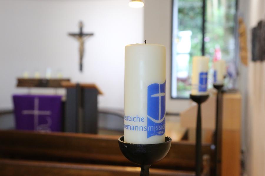 Die Störtebeker Liekendeeler bei ihrer vierten Station des Spendenmarathon im August: die Seemannsmission Hamburg-Altona e.V..